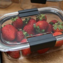 Easy Summer Snacking with Rubbermaid BRILLIANCE